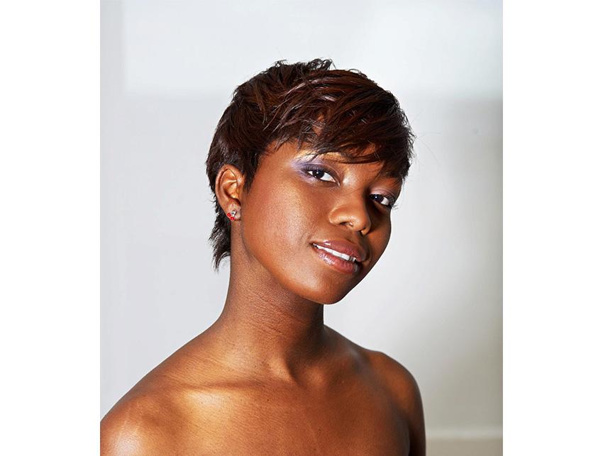 adele simo salon de coiffure bruxelles afro européen coiffeur etterbeek défrisage lissage tresses cheveux crépus bouclés frisés